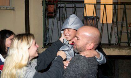 Alvin è tornato a casa, l'accoglienza dei familiari FOTO