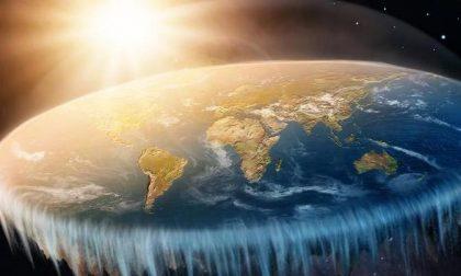 Terra piatta? Risate assicurate al Planetario di Lecco