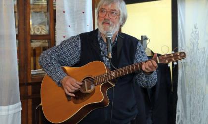 Incontro musicale con il cantautore Luciano Ravasio