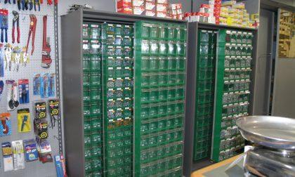 Guida all'acquisto degli scaffali industriali per magazzino