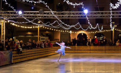 Lecco: martedì 31 dicembre si festeggia Capodanno sul ghiaccio della pista di piazza Garibaldi