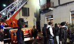 Incendio in centro paese, maxi spiegamento di mezzi FOTO