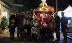 Babbo Pompiere ha donato i regali in piazza a Merate FOTO