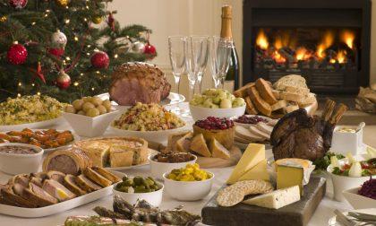 A tavola, in pochi ma buoni: i consigli del professor Signorelli per un Natale sicuro
