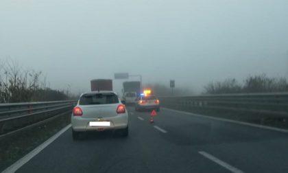 Statale 36: nebbia, camion in panne e code in direzione sud FOTO