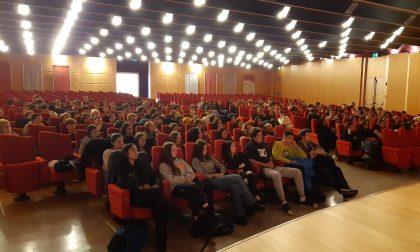 Gli studenti  celebrano la Giornata della Memoria FOTO