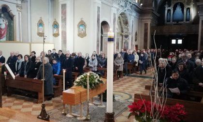 Chiesa gremita per l'ultimo saluto a Fulvio Greppi FOTO