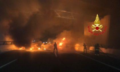 Inferno in Autostrada: muro di fuoco per assaltare il portavalori