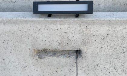 Vandalismi sulla ciclabile: denunciato un 19enne di Lecco