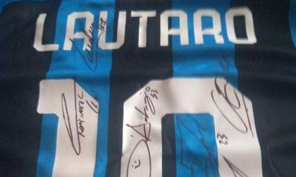 Asta per il campo sintetico: la maglia di Lautaro va più di quella di Ibrahimovic FOTO