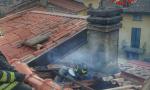 A fuoco un tetto: rogo domato dai Vigili del Fuoco