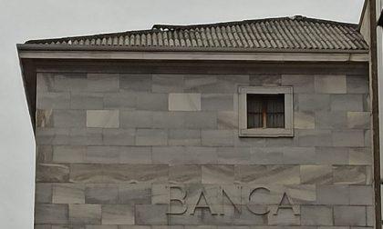 Amianto sul tetto della ex Deutsche Bank: parte l'esposto a Comune e Ats