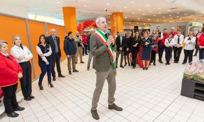 """Inaugurazione dell'ipermercato con polemica. Il sindaco: """"Cerimonia a porte chiuse"""""""