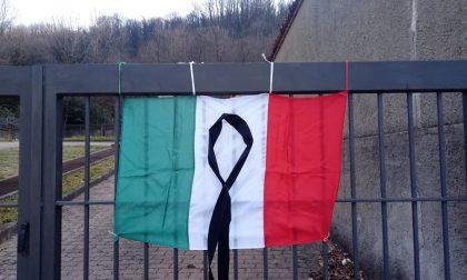 Cimiteri listati a lutto per i morti da Coronavirus FOTO