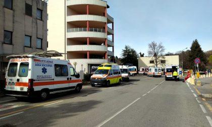 """Coronavirus: Mandic sotto assedio, ambulanze in """"coda"""" fuori dal Pronto soccorso"""