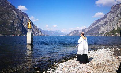 Niente messe? A Lecco si può andare in chiesa a ritirare l'acqua santa per benedire la propria casa