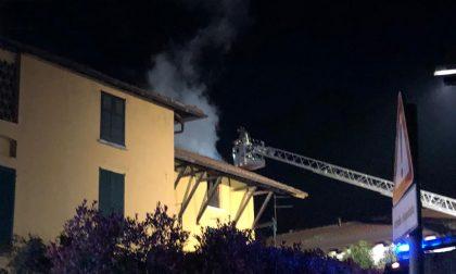 Calolzio, in fiamme una canna fumaria in via Battisti FOTO