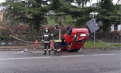 Tragedia all'alba: si ribalta in auto sulla Provinciale  e muore a 28 anni