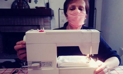 Le mamme sarte della parrocchia non si fermano più: confezionate oltre 4.600 mascherine