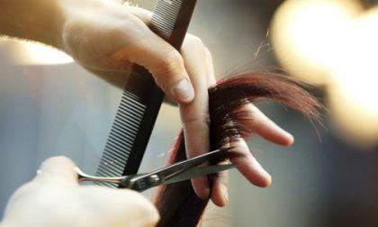 """Parrucchieri ed estetisti aperti dal primo giugno, scoppia la rabbia: """"Inaccettabili 3 mesi di stop"""""""
