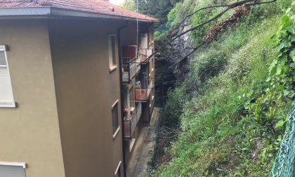 Smottamento a Maggianico: massi a pochi metri da un condominio FOTO