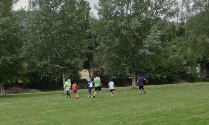 Il sindaco De Capitani non fa sconti: multa in arrivo per sei ragazzi che giocavano al parco