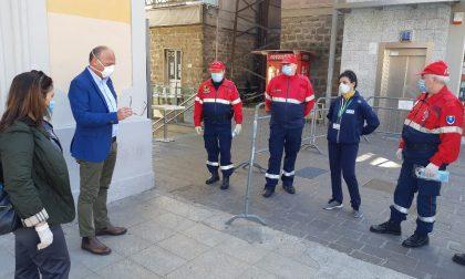 Provincia in campo per aiutare i pendolari  in stazione Lecco durante l'emergenza Corinavirus FOTO
