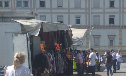 Botte al mercato: ambulante finisce in ospedale FOTO