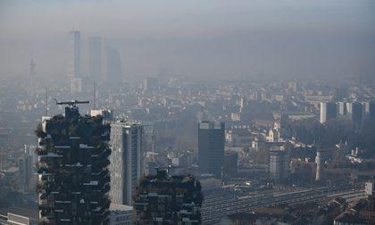 """Bologna contro Sala: """"Preferisce l'effetto smog"""""""