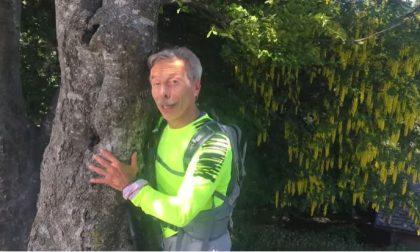Giovanni (del trio Aldo Giovanni e Giacomo) celebra Giornata per l'ambiente 2020 in montagna sopra Lecco VIDEO