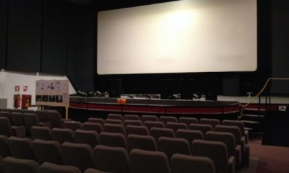 Da lunedì si torna al cinema e a teatro: niente mascherina al posto
