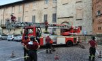 Calcinacci dalla torre: intervento dei pompieri FOTO