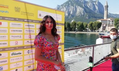 """Maria Grazia Cucinotta incanta Lecco: """"Essere qui è meraviglioso e non scontato"""" FOTO"""