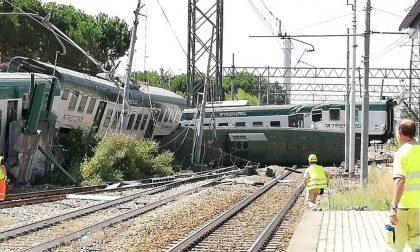 Il treno deragliato viaggiava senza macchinista CLAMOROSO