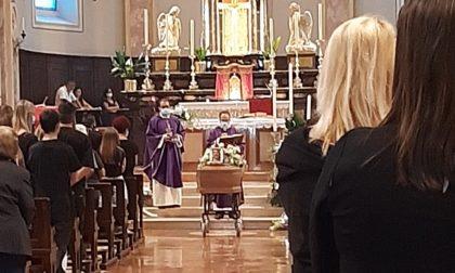 Celebrati i funerali di De Fazio, la vittima della sparatoria a Santa Maria