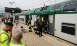 Caos in stazione: giovane ferito dà in escandescenze e blocca il treno chiudendosi in bagno FOTO