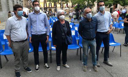 """Applausi e commozione per il """"ritorno"""" a Lecco di Piero Nava: grande successo per l'evento"""