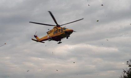 Auto contro moto: 36enne soccorso in condizioni serie – FOTO