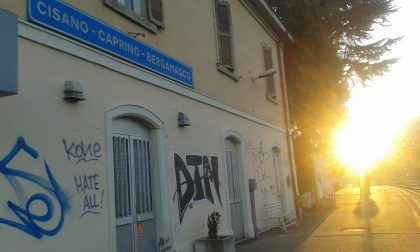 """Problemi elettrici sul """"treno nuovo"""": da Lecco a Bergamo ci vuole un'ora e mezza"""