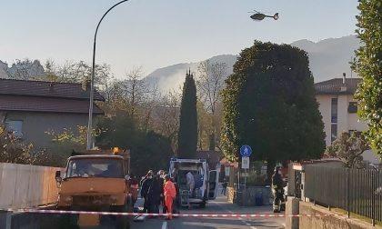Tragedia a Villa San Carlo, morto un giardiniere di 30 anni FOTO