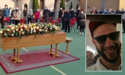 Folla in oratorio per l'ultimo addio a Ugo Gilardi FOTO