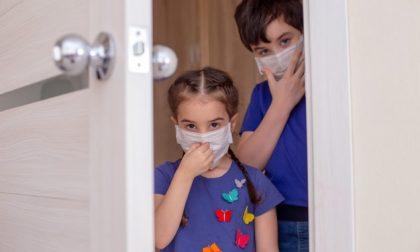 La maggior parte dei contagi avviene in casa: ecco come comportarsi per evitarlo