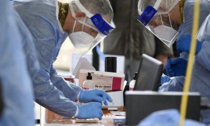 Coronavirus: i contagi in Lombardia tornano sopra 10mila con oltre 55mila tamponi, aumentano i positivi a Lecco