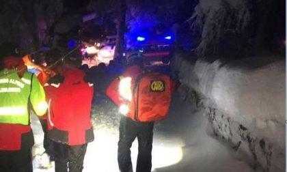 Incidente all'Alpe di Paglio: donna colpita da una pianta caduta perchè carica di neve