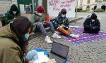 Studenti fanno lezione in piazza a Lecco per manifestare contro la didattica a distanza FOTO E VIDEO