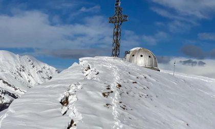 Grosso distacco nevoso sul monte Due Mani: rischio slavina verso Ballabio