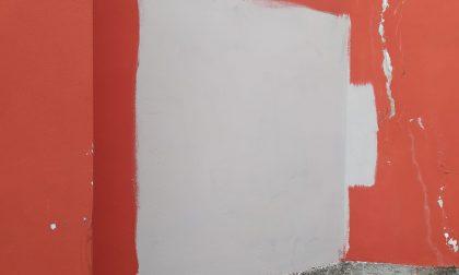 Rimosse le scritte ingiuriose apparse sui muri a Rancio