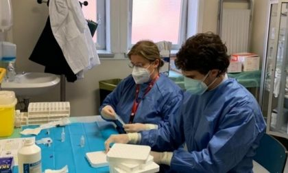 Covid: oltre 100 ricoverati in 24 ore. A Lecco 59 casi. Entro febbraio in arrivo 400mila dosi di vaccino in Lombardia