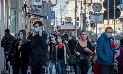 Aumentano i contagi Covid in paese: al vaglio la possibilità di chiudere le aree troppo affollate