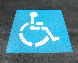 Lecco, parcheggi disabili e auto elettriche: ecco cosa cambia.